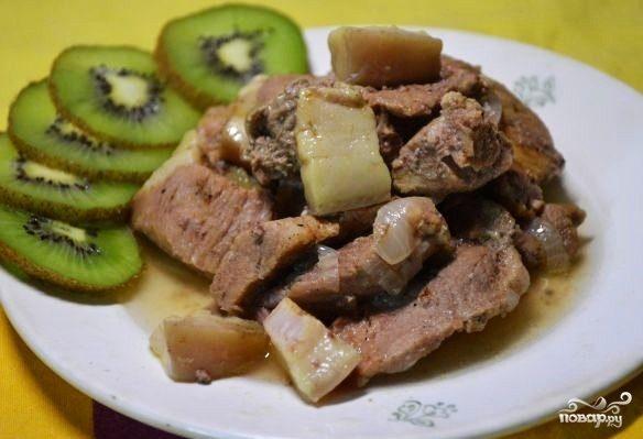 """Тушеное мясо в мультиварке """"Панасоник"""""""