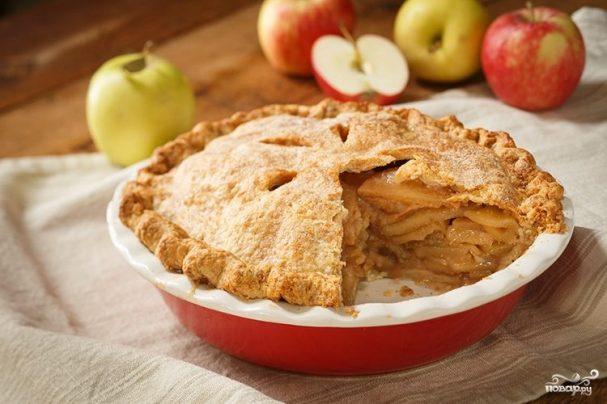 как приготовить шарлотку с яблоками и корицей