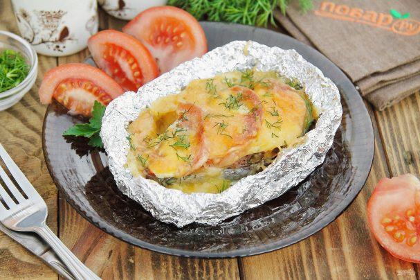 Семга, запеченная в фольге с сыром