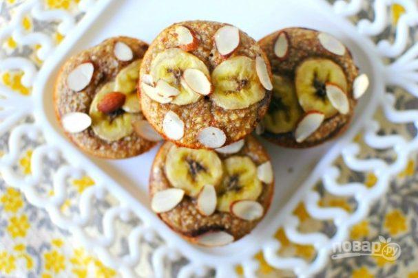 Банановые маффины с миндалём