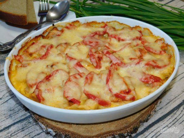 Картофель с куриным филе под сырной  шапкой