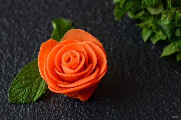 Розы из моркови