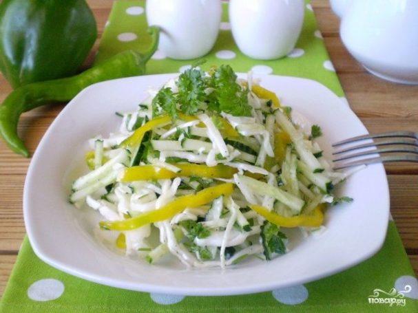 Сыроедческий салат из капусты