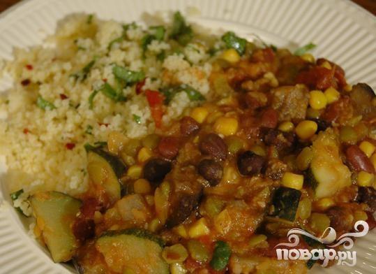 Салат из кус-кус, фасоли и кукурузы