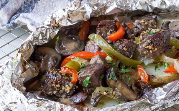 Рецепт запеченного мяса в фольге