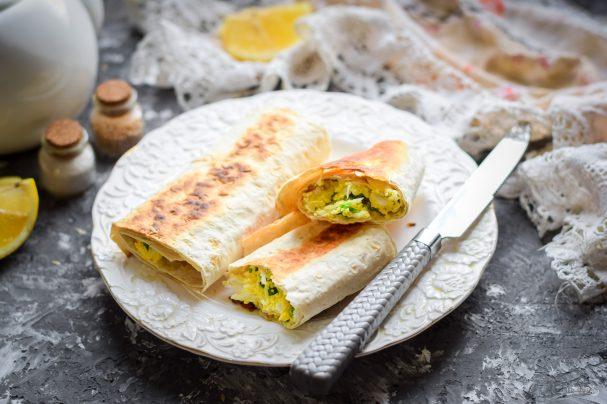 Пирожки из лаваша с яйцом и луком