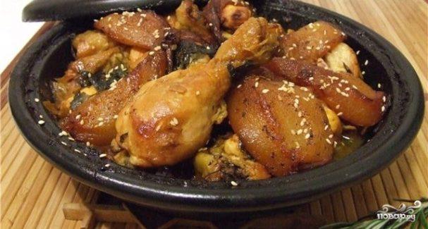 Курица в тажине с грушами