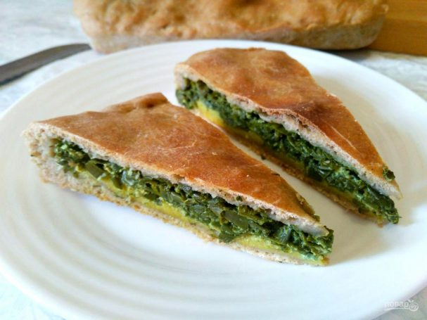 Пирог из постного теста с летней зеленью
