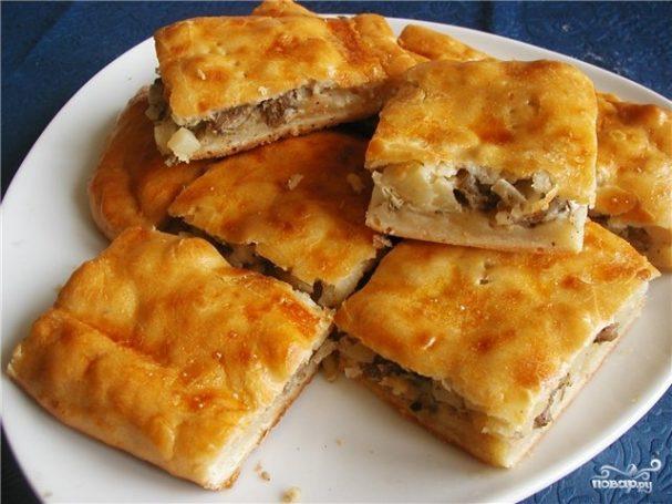 Пирог с картошкой и рыбными консервами