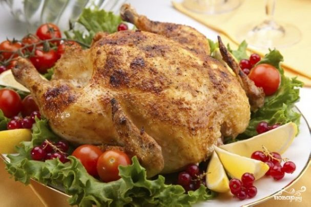 Курица, фаршированная овощами, в духовке