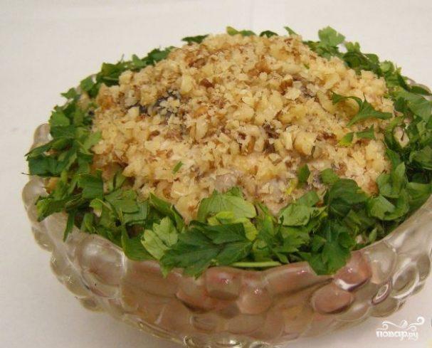 Салат с грибами и черносливом