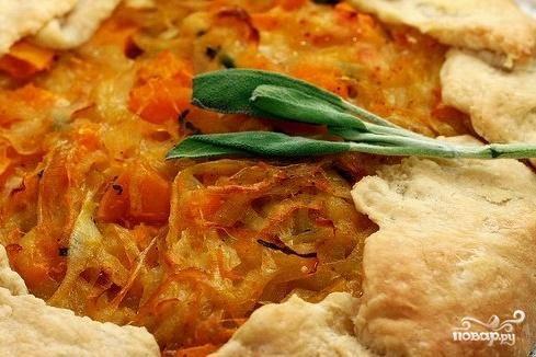 Пирог с начинкой из тыквы и лука