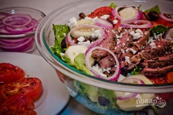 "Салат ""Греческий"" со стейком"