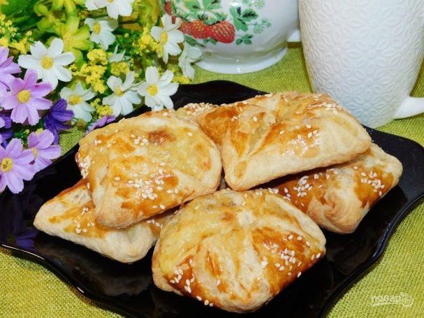 Слоеные сырные булочки