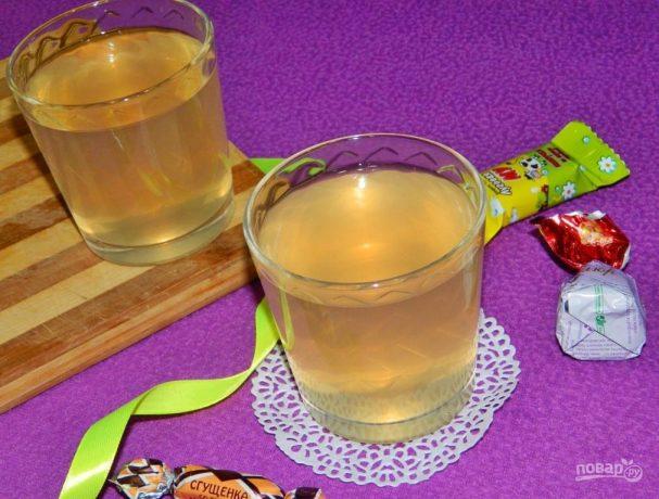 Имбирный чай с яблоками и грушами