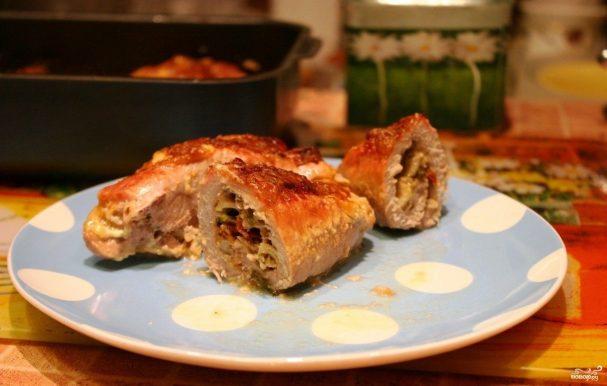 Рулетики из свинины, запеченные в духовке