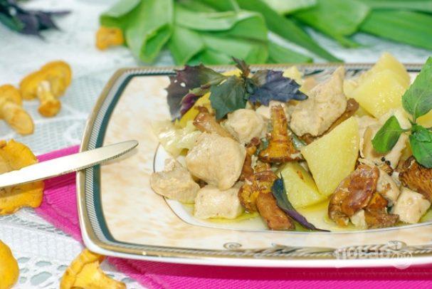 картошка с филе курицы и грибами
