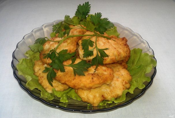 Рубленые куриные котлеты с сыром на сковороде