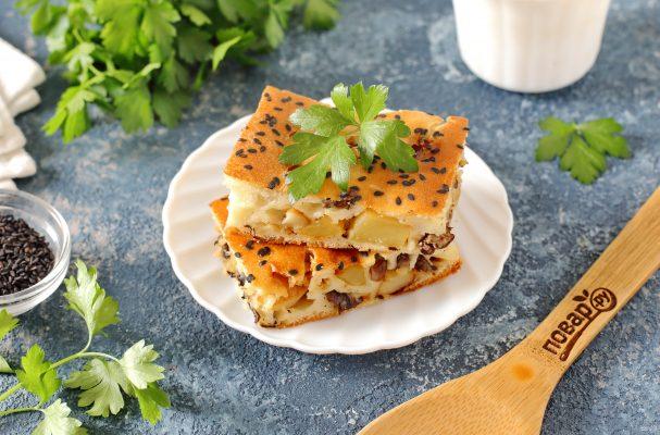 Пирог с маринованными грибами и картофелем