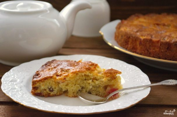 Яблочный пирог с изюмом
