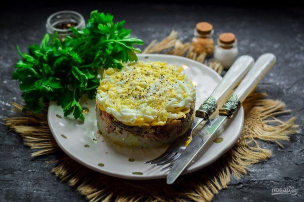 Слоеный салат со скумбрией