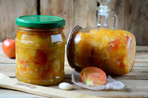 Салат из помидоров и кабачков на зиму