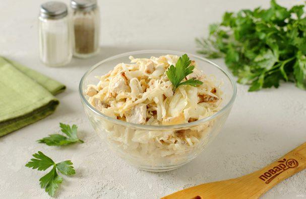 Салат с курицей и капустой