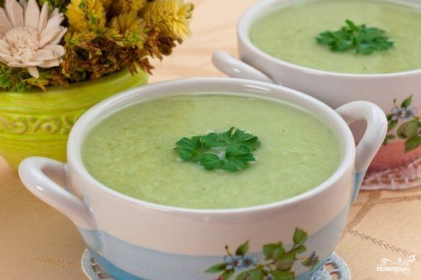 Диетический крем-суп из брокколи