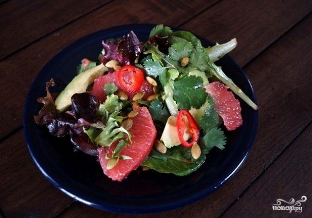 Салат из авокадо и грейпфрута