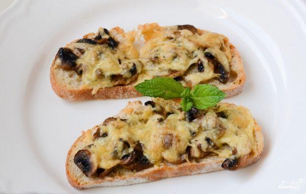 Запеченные бутерброды с грибами
