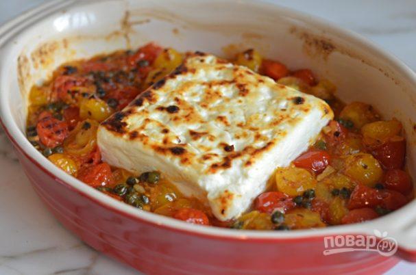 Запечённый сыр фета с помидорами