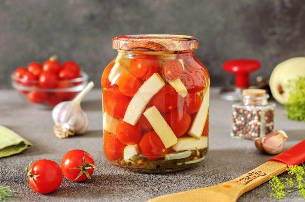 Ассорти из помидоров и кабачков на зиму