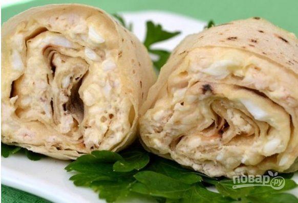 Лаваш с плавленым сыром и яйцом