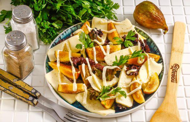 Салат с инжиром и моцареллой