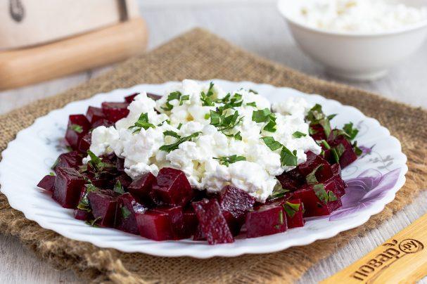 Салат из свеклы с творогом