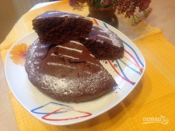 Простой шоколадный пирог из кислого молока