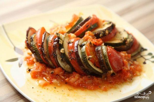 Баклажаны с кабачками и помидорами