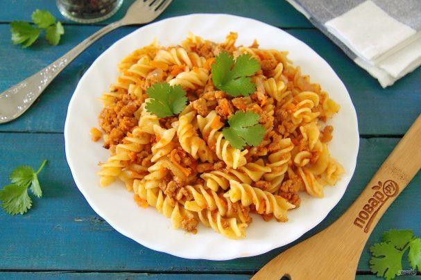 макароны с фаршем морковью и луком