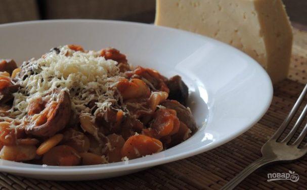 Фасоль с грибами в томатном соусе