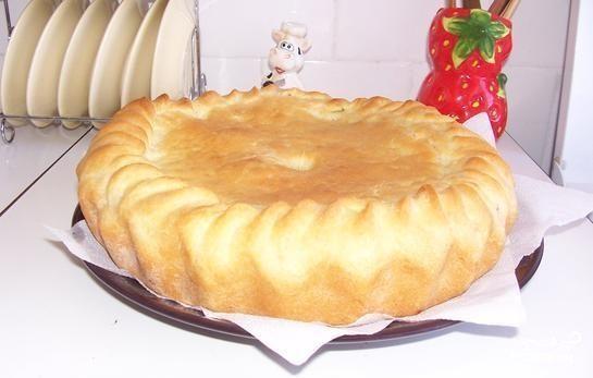 Пирог с солеными огурцами