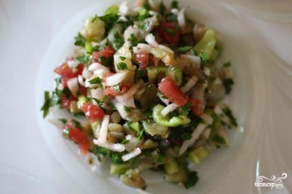 Салат из отваренных баклажанов