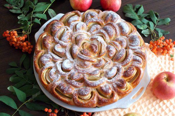 """Пирог """"Хризантема"""" с яблоками"""
