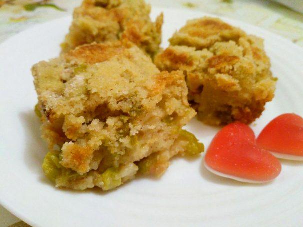 Насыпной пирог с ревенем