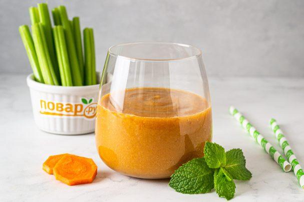 Смузи из сельдерея и моркови