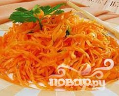 Салат из хрустящей моркови и арахиса