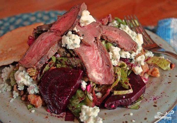 Салат с мясом и сыром