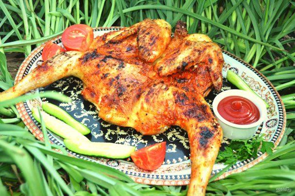 Курица на мангале целиком