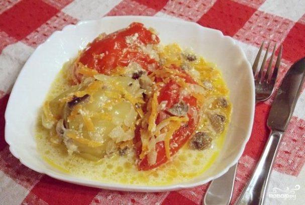 Фаршированный перец в сметанном соусе