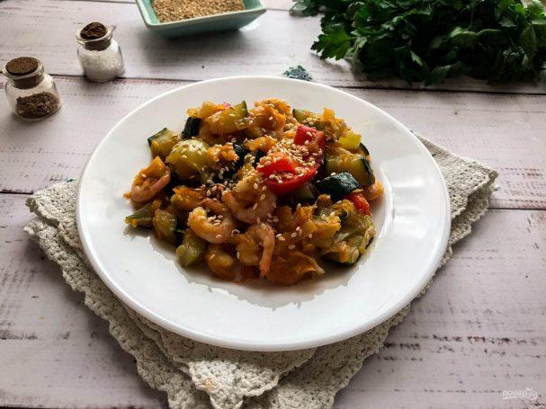 Овощное рагу с креветками