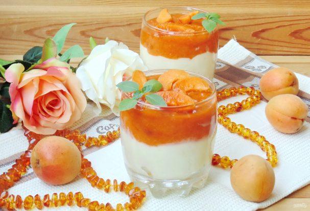 Ванильный пудинг с абрикосами